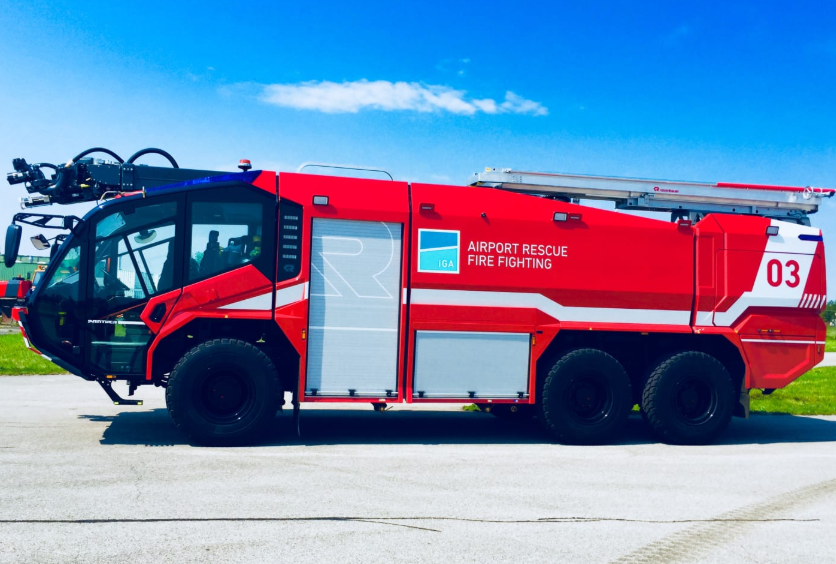 Special Chasis Aircraft Firefighting Vehicle